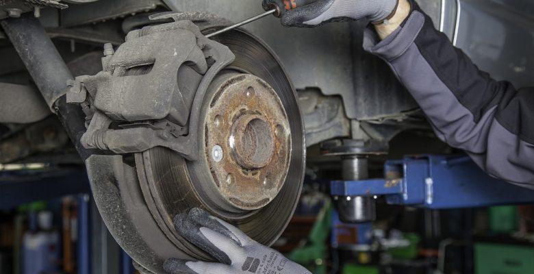 Best Brake Pads for Dodge Ram 1500, 2500