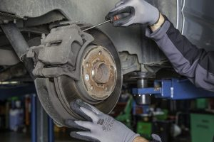 How to Change Brake Pads and Rotors on A Chevy Silverado steps